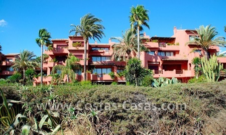 Bargain beachside penthouse apartment for sale in Marbella East 6