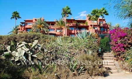 Bargain beachside penthouse apartment for sale in Marbella East 7