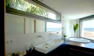 Beachfront modern villa for sale in Marbella 7