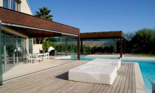 Beachfront modern villa for sale in Marbella 3