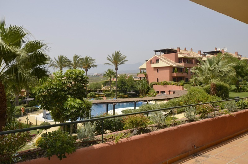 2 Bargain Beachside apartments for sale between Marbella and Estepona