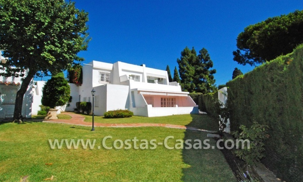 Bargain Spacious and renovated apartment for sale in Nueva Andalucia – Marbella, close to Puerto Banus 1