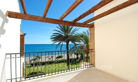 Beachfront penthouse apartment for sale on the New Golden Mile between Marbella and Estepona centre 5