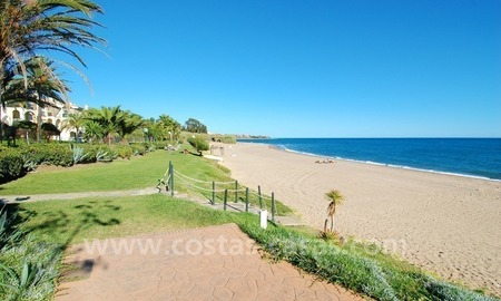 Beachfront penthouse apartment for sale on the New Golden Mile between Marbella and Estepona centre 24