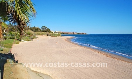 Beachfront penthouse apartment for sale on the New Golden Mile between Marbella and Estepona centre 30