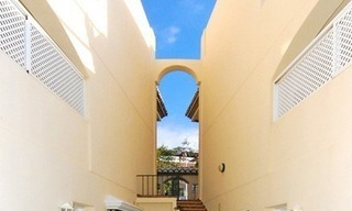 Front line beach apartment for sale in Marbella 9