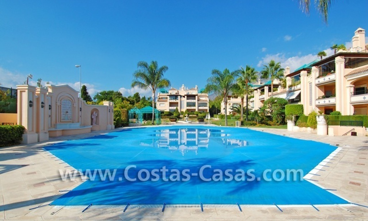 Exclusive luxury apartment for sale on the Golden Mile in Marbella 2