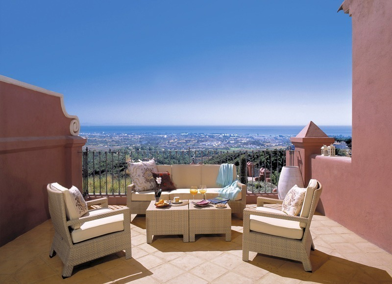 Price reduced new luxury apartments and penthouses for sale in the area of Marbella – Benahavis