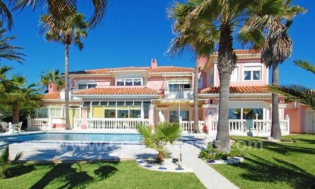 First line beach villa with 2 guest houses for sale in East Marbella 4