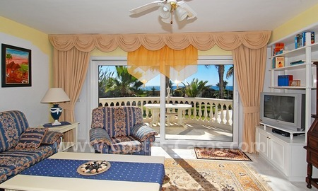 First line beach villa with 2 guest houses for sale in East Marbella 15