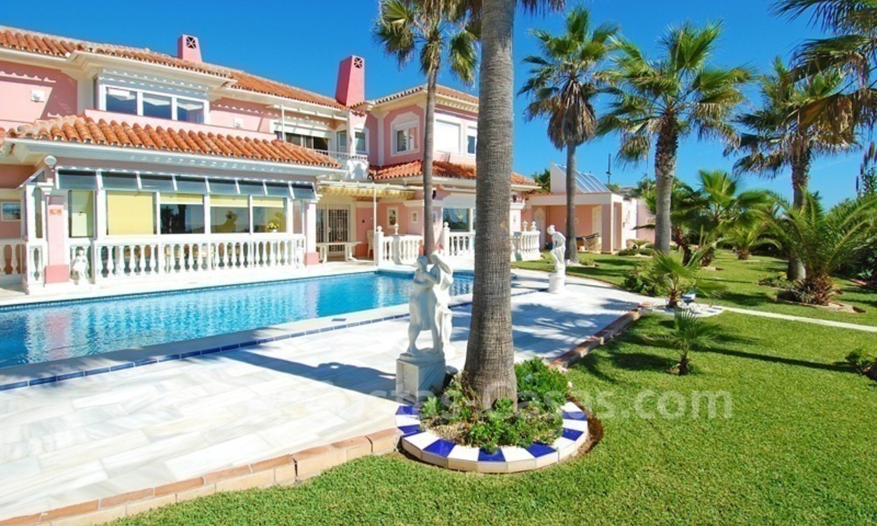 First line beach villa with 2 guest houses for sale in East Marbella 5