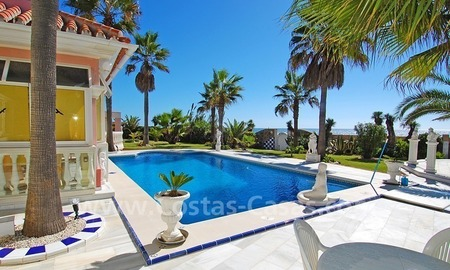 First line beach villa with 2 guest houses for sale in East Marbella 7