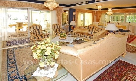 First line beach villa with 2 guest houses for sale in East Marbella 10