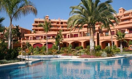 Apartment for sale, beachfront complex in Estepona - Costa del Sol 1