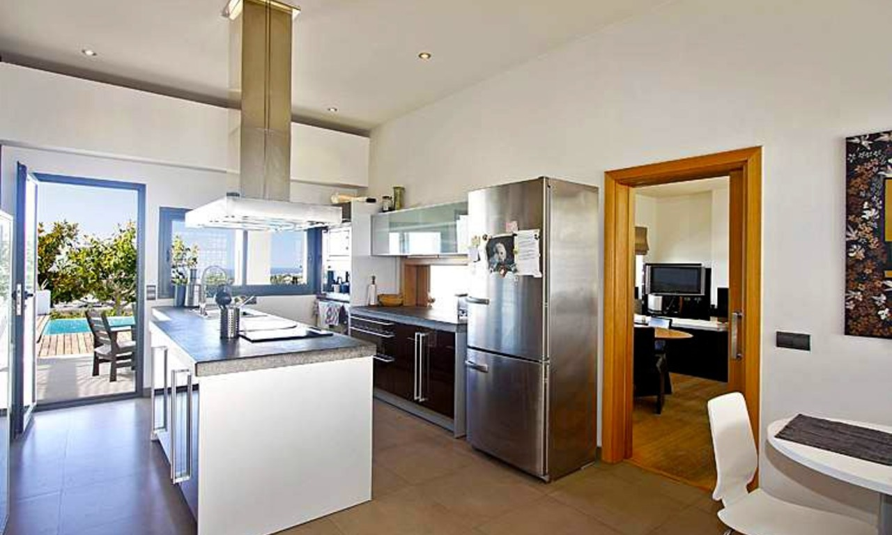 Bargain! Modern contemporary villa for sale in Marbella - Benahavis 9
