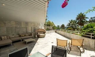 Beachfront apartment for sale on the Golden Mile in Marbella 2
