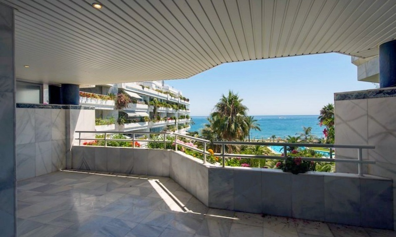 Front line beach apartment for sale on the Golden Mile in Marbella 3