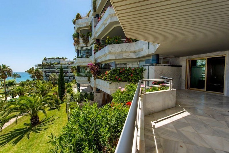 Front line beach apartment for sale on the Golden Mile in Marbella 2