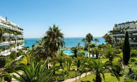 Front line beach apartment for sale on the Golden Mile in Marbella