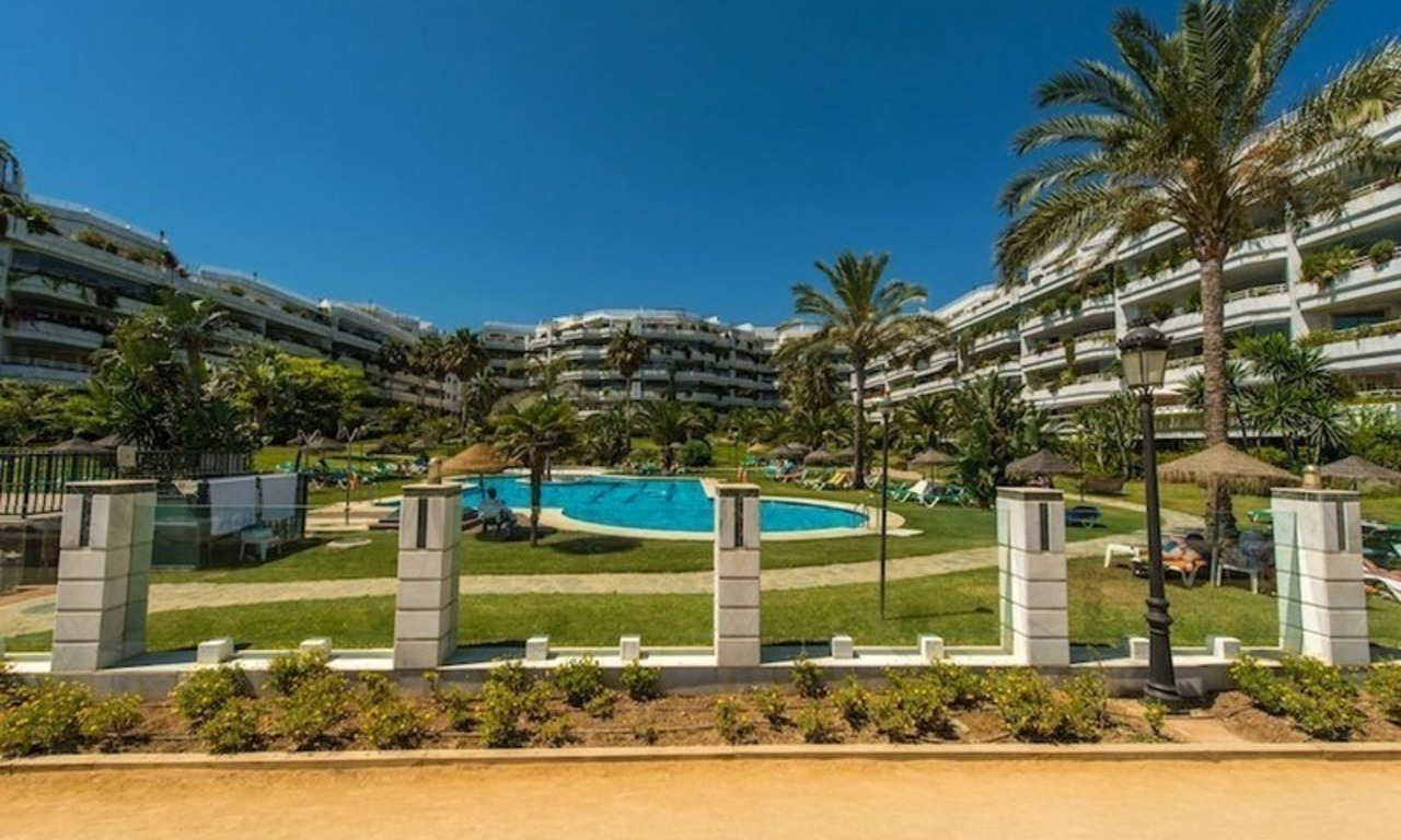 First line beach apartment for sale on the Golden Mile in Marbella 1