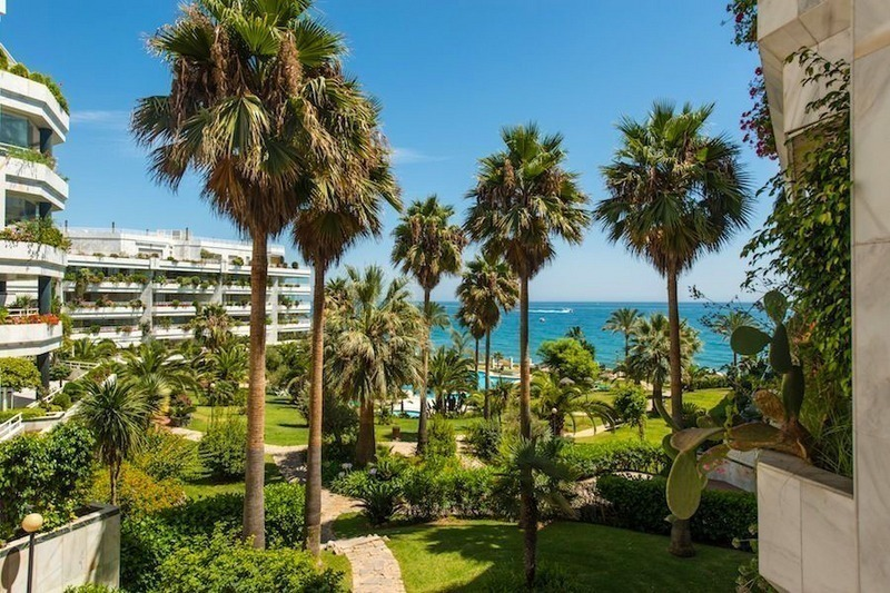 First line beach apartment for sale on the Golden Mile in Marbella
