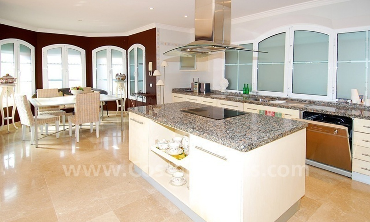Classical luxury villa to buy in Nueva Andalucia - Puerto Banus - Marbella 14