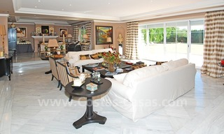 Classical luxury villa to buy in Nueva Andalucia - Puerto Banus - Marbella 11