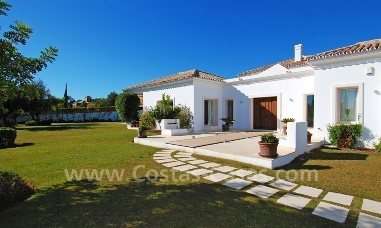 Modern Andalusian villa to buy on the Golden Mile in Marbella 5