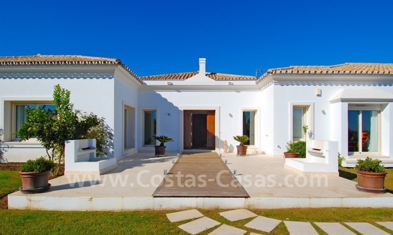 Modern Andalusian villa to buy on the Golden Mile in Marbella 7