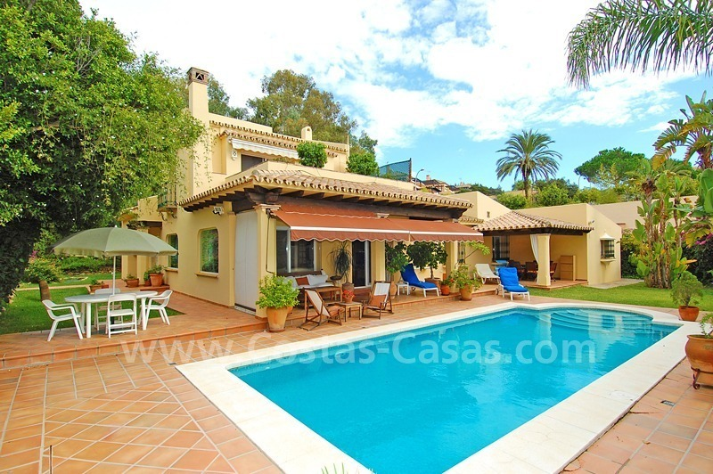 Beachside cozy villa for sale in east Marbella