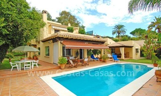 Beachside cozy villa for sale in east Marbella 0
