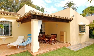 Beachside cozy villa for sale in east Marbella 3