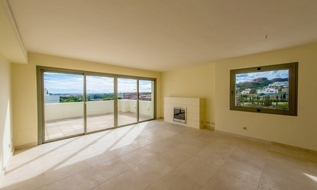 Luxury front line golf modern contemporary apartment for sale in a 5* golf resort, Benahavis - Estepona - Marbella