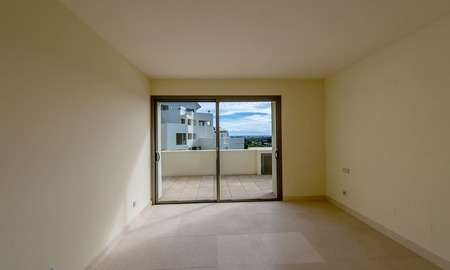 Luxury front line golf modern contemporary apartment for sale in a 5* golf resort, Benahavis - Estepona - Marbella 3