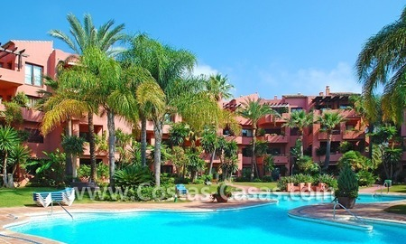 Bargain beachside penthouse apartment for sale in Marbella East 23