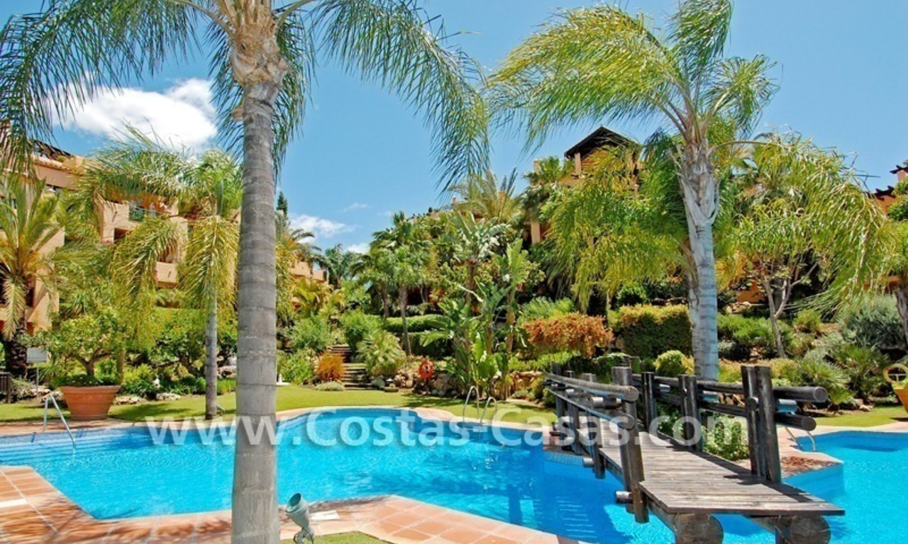 Bargain luxury golf apartment for sale in a golf resort between Marbella and Estepona centre 14