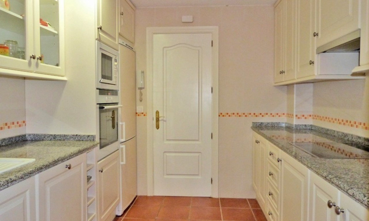 Bargain luxury golf apartment for sale in a golf resort between Marbella and Estepona centre 7