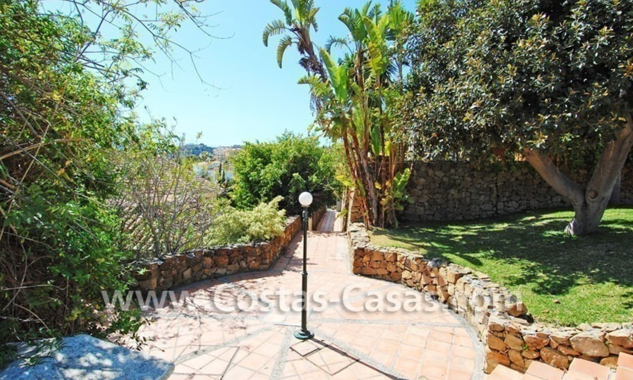 Bargain Andalusian style villa to buy in Nueva Andalucia - Marbella 7
