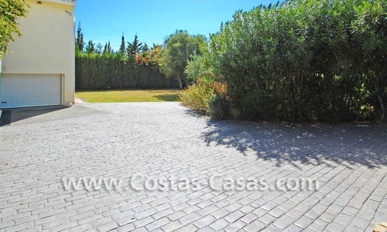 Bargain Andalusian style villa to buy in Nueva Andalucia - Marbella 8