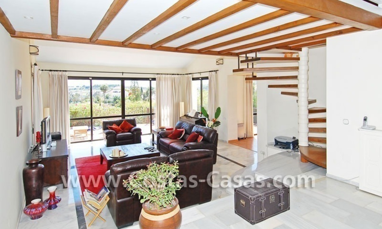 Bargain Andalusian style villa to buy in Nueva Andalucia - Marbella 9