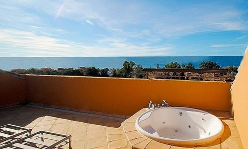Beachside luxury apartment penthouse for sale in Marbella
