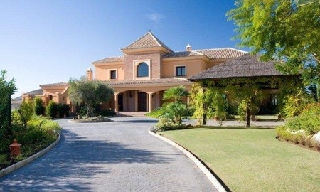 Luxury Mansion for Sale on Golf Resort in the area of Marbella - Benahavis 1
