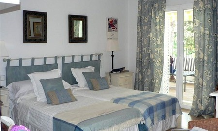 Beachside apartment to buy close to the beach, Marbella - Estepona 13