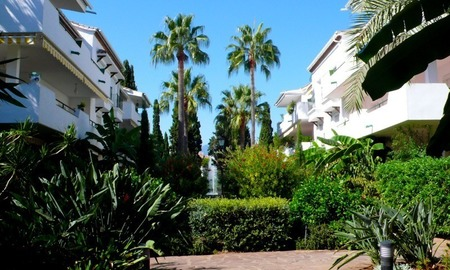 Beachside apartment to buy close to the beach, Marbella - Estepona 3