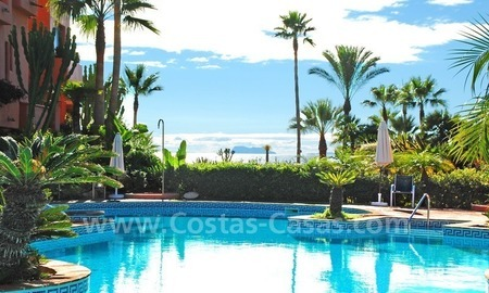 Luxury beachfront apartment for sale, frontline beach complex, New Golden Mile, Marbella - Estepona 16