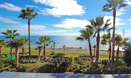 Luxury beachfront apartment for sale, frontline beach complex, New Golden Mile, Marbella - Estepona 3