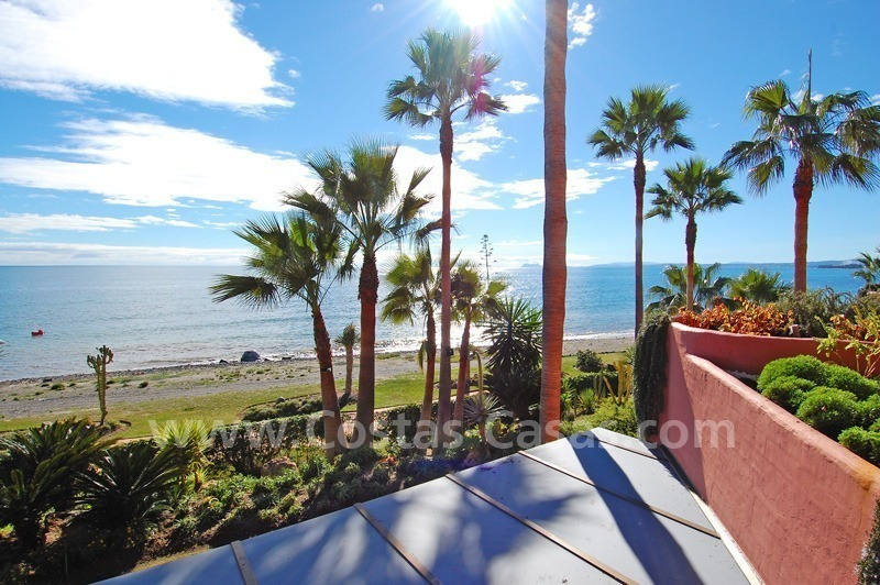 Luxury beachfront apartment for sale, frontline beach complex, New Golden Mile, Marbella - Estepona 4