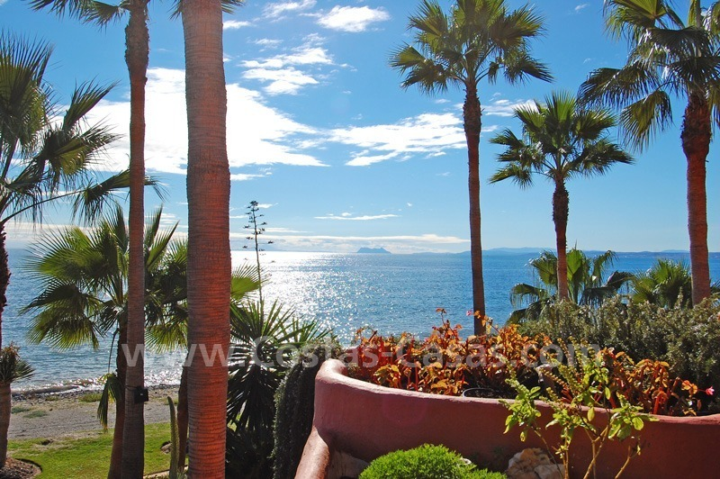 Luxury beachfront apartment for sale, frontline beach complex, New Golden Mile, Marbella - Estepona 5