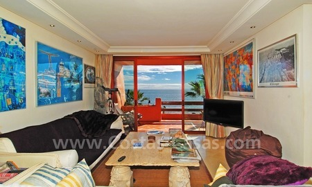 Luxury beachfront apartment for sale, frontline beach complex, New Golden Mile, Marbella - Estepona 9