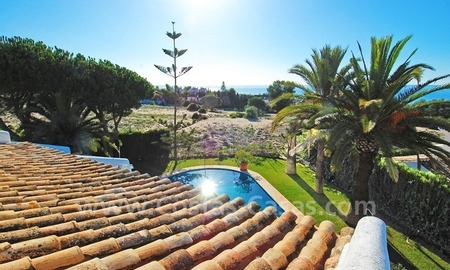 Beachside villa for sale in Eastern Marbella 1